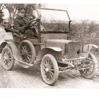 GIBBS Edw Jnr in Rover car.jpg